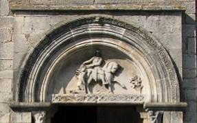 Tympan de l'église de Baneins